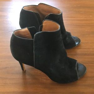 Joie black heels